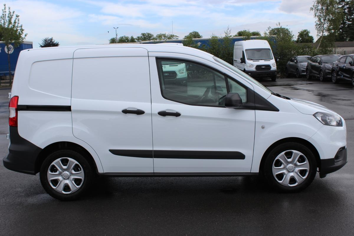 Ford Transit Courier Trend 1,0 EcoB.100PS / FGS 5 Jahre + Winter